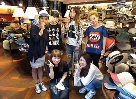 shop15_1b_staff.jpg